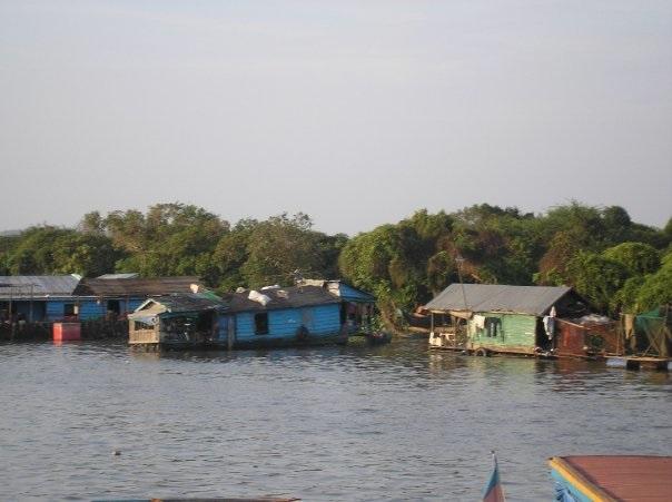 cambodia-city-village