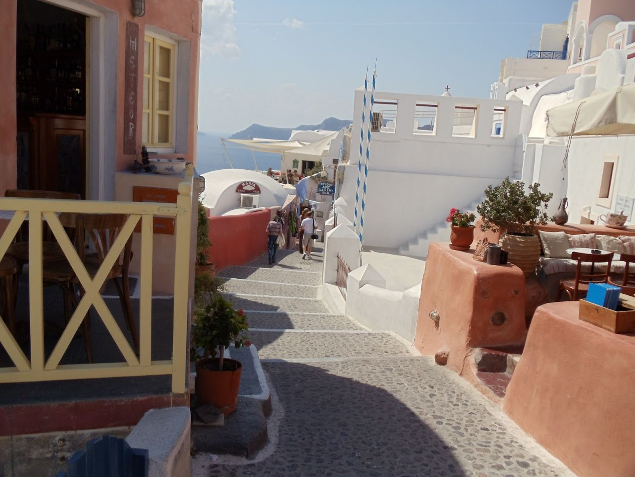 santorini-streets